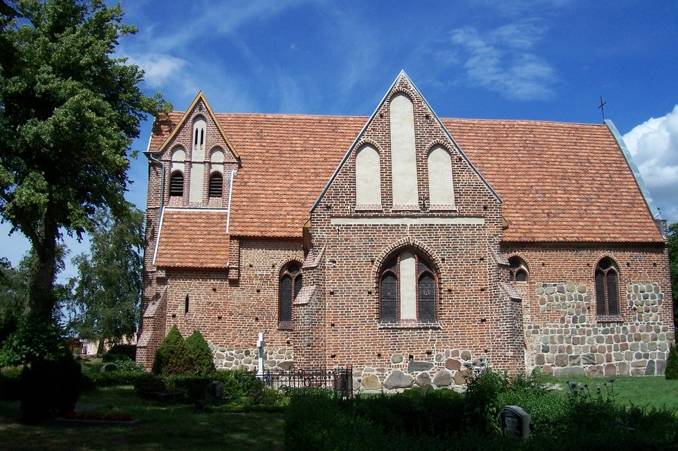 Dorfkirche Russow