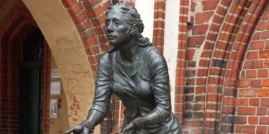 Grete Minde als Skulptur
