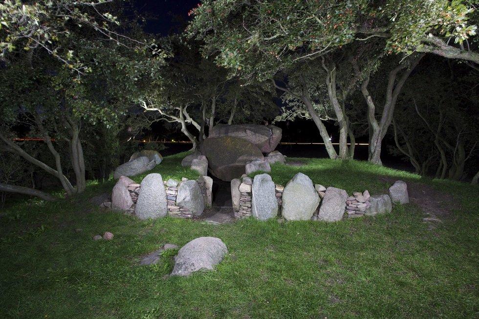 Großsteingrab am Abend