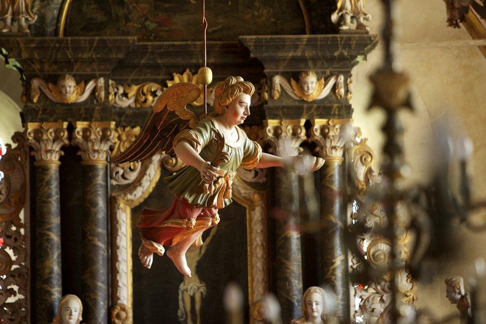 Taufengel St. Johannes Kirche